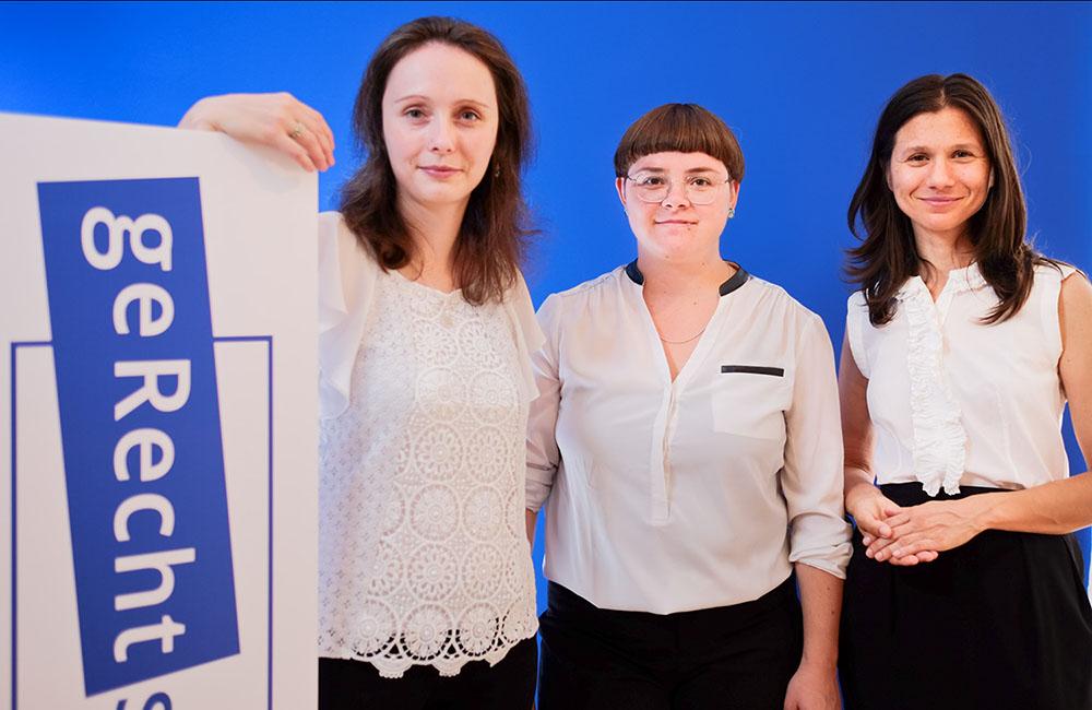 Das Team der geRechtsanwältinnen: Jessica Donner, Friederike Boll, Angela Kolovos